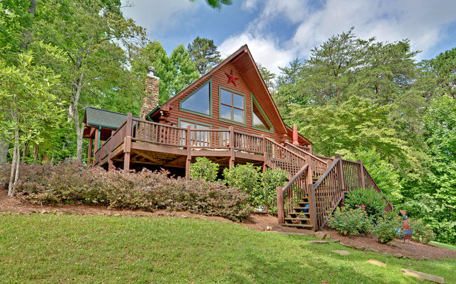 Rustic Exterior by Envision Web