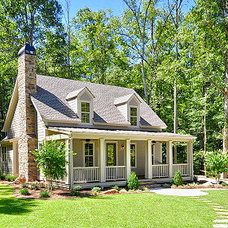 Traditional Exterior by The Aldrich Group, LLC