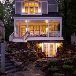 Свежая идея для дизайна: трехэтажный дом в викторианском стиле - отличное фото интерьера