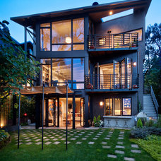 Contemporary Exterior by Castanes Architects PS