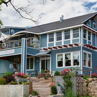 Idéer för ett maritimt blått hus, med två våningar