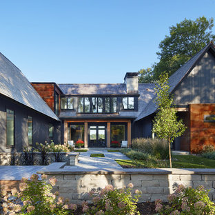 Example of a mountain style exterior home design in Minneapolis