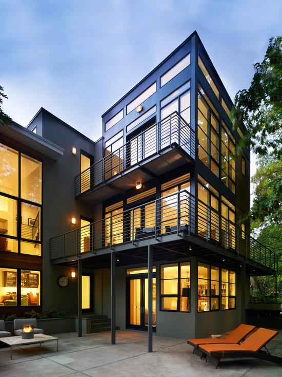 34 Samples Of Modern Houses Most Popular Exterior Design: Steel Balcony