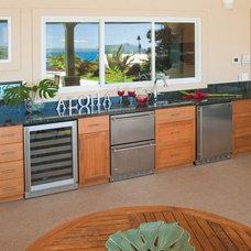 Contemporary Exterior by Archipelago Hawaii Luxury Home Designs