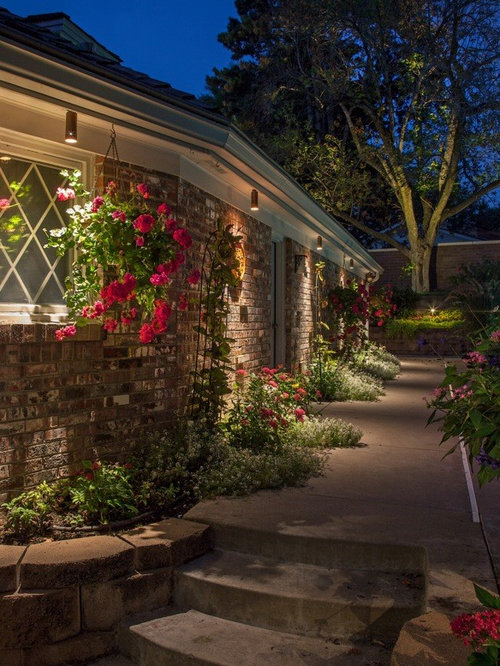 Beautiful brick home landscape lighting omaha nebraska - Brick houses three beautiful economical projects ...