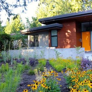 Graues Modernes Haus mit Mix-Fassade in Vancouver