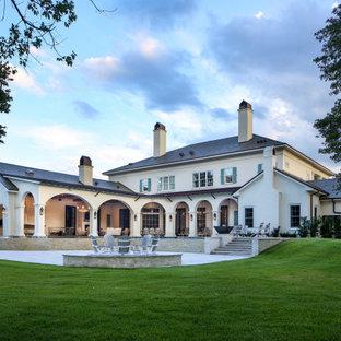 Laurel Lakes Residence