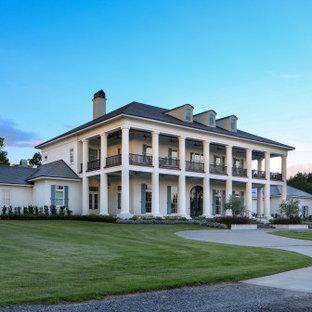 Idéer för mycket stora vintage vita hus, med tre eller fler plan och tak i mixade material