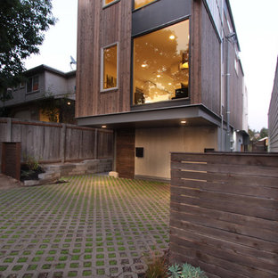 Modern exterior home idea in Seattle