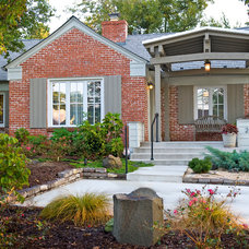Traditional Exterior by CRFORMA DESIGN:BUILD
