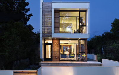 Houzz Tour: Wide-Open Views on a Narrow Canadian Lot