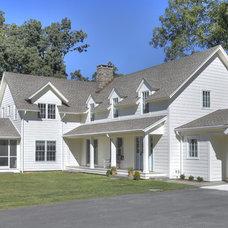 Farmhouse Exterior by CK Architects