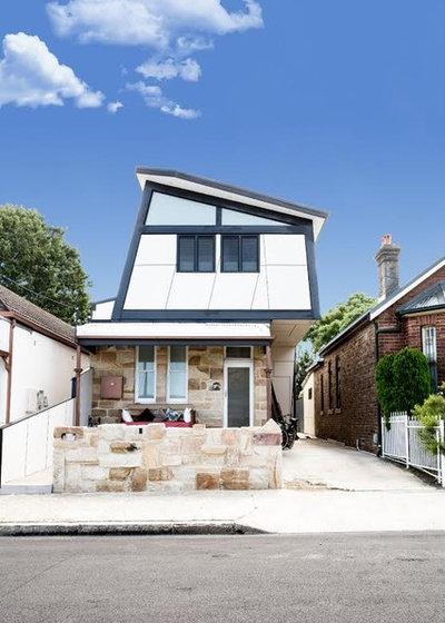 Modern Exterior by SeaBreeze Design & Construct