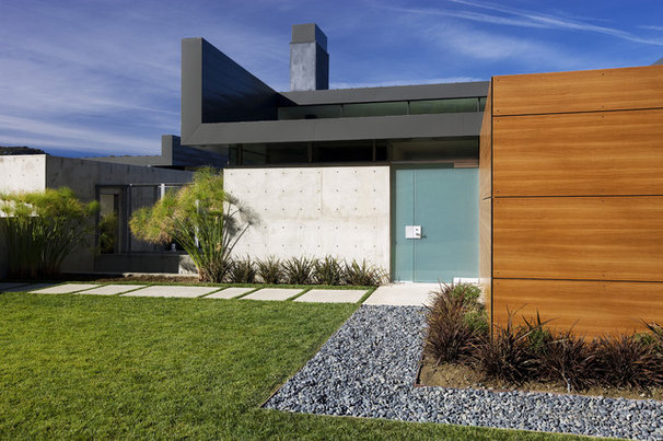 Modern Exterior by Abramson Teiger Architects