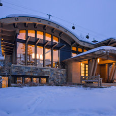 Contemporary Exterior by Charles Cunniffe Architects Aspen