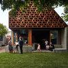 Houzzツアー: 近所の人や友だちが集い楽しく語らう「カフェのような家」