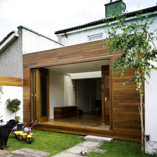 Modern Exterior by Ronan Rose Roberts Architects