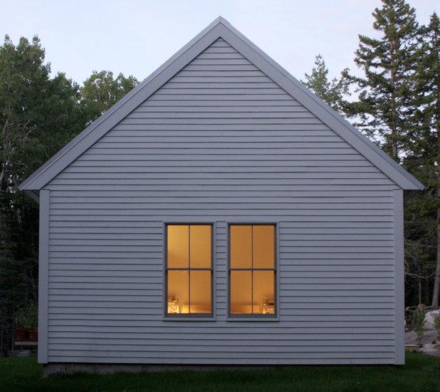 Modern Exterior by 30X40 Design Workshop