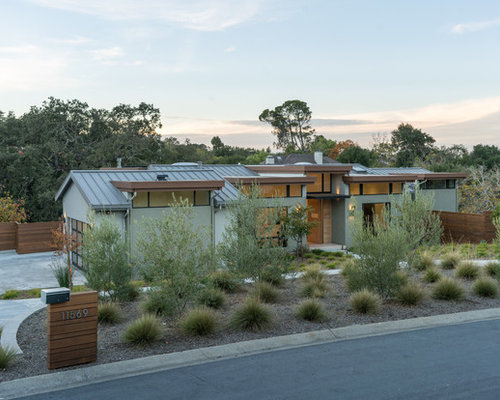 25 Best Gray Stucco Exterior Home Ideas & Remodeling Pictures | Houzz