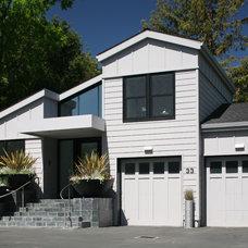 Contemporary  by Conrado - Home Builders