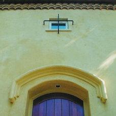 Traditional Exterior by Louie Leu Architect, Inc.