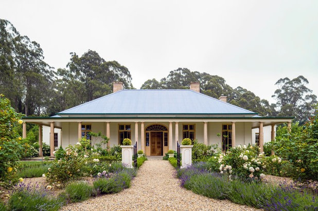 Traditional Exterior by Michael Bell Architects Pty Ltd