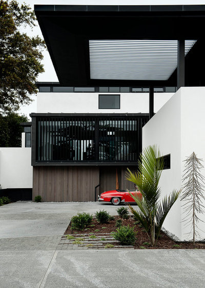 Contemporary Exterior by Daniel Marshall Architect