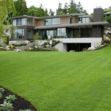 Modern Exterior by Jeff Luth - Soldano Luth Architects