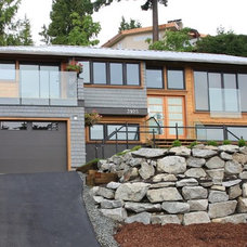Transitional Exterior by M-Squared Contracting Inc.