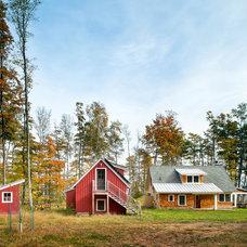 Farmhouse Exterior by Albertsson Hansen Architecture, Ltd