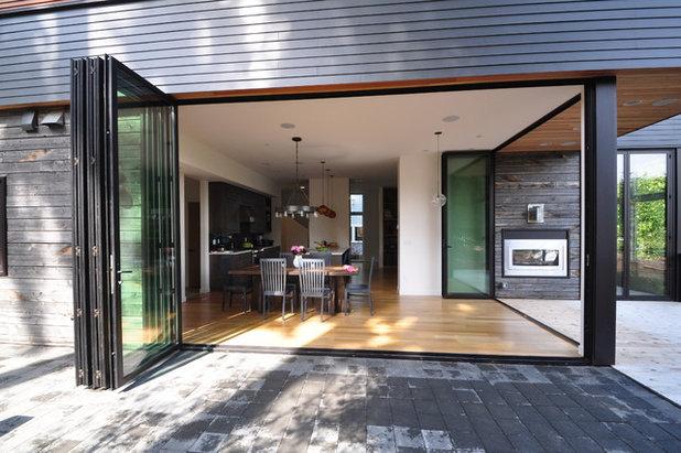 Modern Exterior by Ryan Rhodes Designs, Inc.