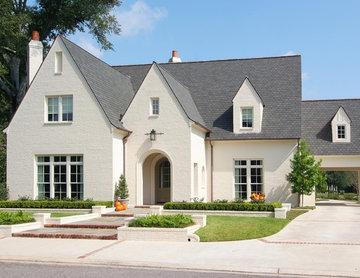 Majestic Oaks Residence