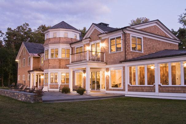 Traditional Exterior by Birdseye Design