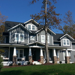 Example of a classic exterior home design in Richmond