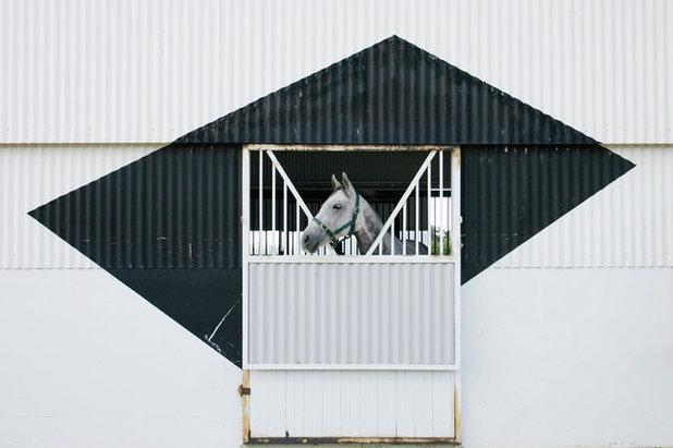 Современный Фасад дома by eme design