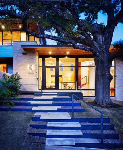 contemporary exterior by Hugh Jefferson Randolph Architects