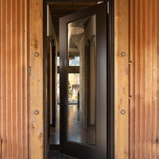 Idéer för små industriella bruna hus, med allt i ett plan, metallfasad, pulpettak och tak i metall