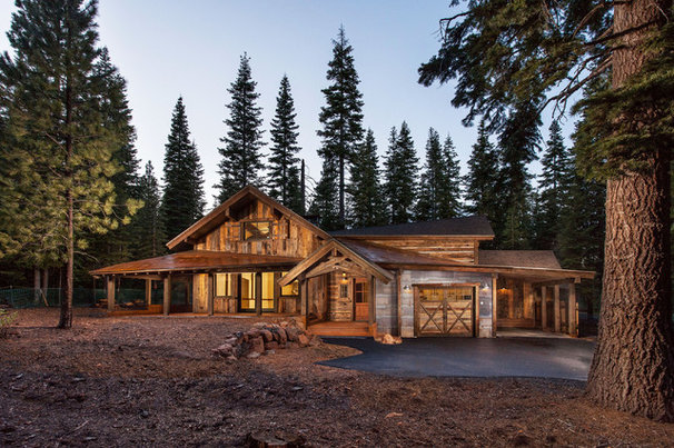 Rustic Exterior by Mountain Concepts