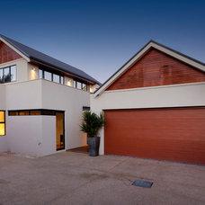 Modern Exterior by Daniel Lomma Design