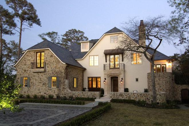Traditional Exterior by Allan Edwards Builder Inc