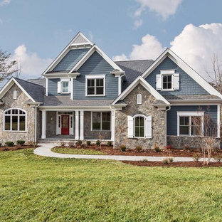 Traditional exterior home idea in Richmond