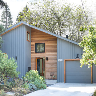 Inspiration for a 1950s multicolored mixed siding house exterior remodel in San Francisco