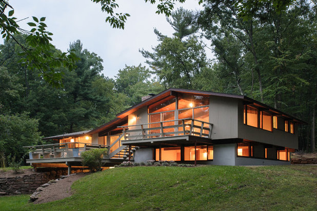 Midcentury Exterior by Advantage Contracting