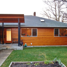 Midcentury Exterior by Anne Niedergang, Architect