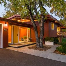Midcentury Exterior by Peterssen/Keller Architecture