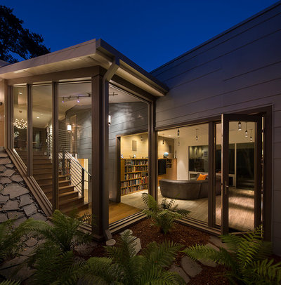 Midcentury Exterior by David Henig, Architect