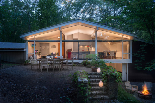 Midcentury Exterior by Flavin Architects