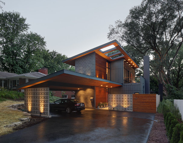 Midcentury Exterior by Bruns Architecture
