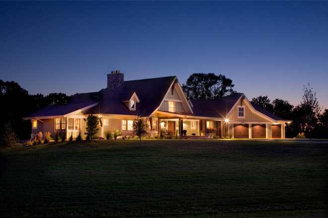 Roots of style american farmhouses pay tribute to for American farmhouse style architecture