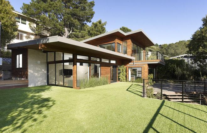 modern exterior by DANIEL HUNTER AIA Hunter architecture ltd.